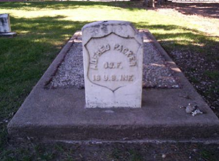 Photograph of Alfred Packer's grave in Littleton Cemetery, Littleton, Colorado