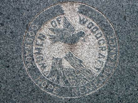 Women of Woodcraft cemetery symbol; photo by Joe Beine